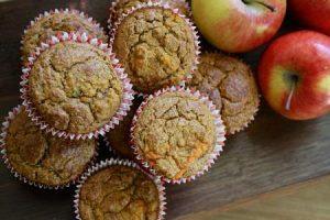 Mafini od jabuke i konopljinog semena